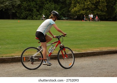 Triathlon cyclist