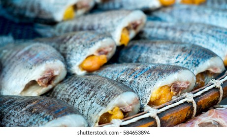 Trichogaster pectoralis, Salted fish place on the basket, food preservation with salt