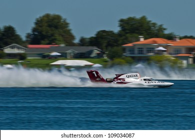TRI-CITIES, WA - JULY 29: Dave Villwock pilots the U-1 Spirit of Qatar at the Lamb Weston Columbia Cup July 29, 2012 on the Columbia River in Tri-Cities, WA.