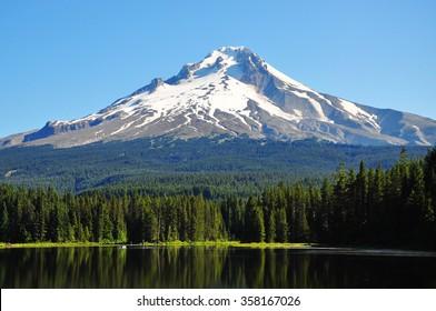 Trillium Lake, Oregon, U.S.A.