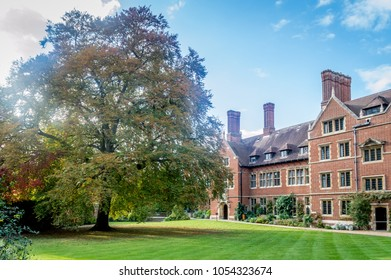 Trinity College, Cambridge, United Kingdom - 23 Oct, 2016: A view of the gardens and the buildings at the Trinity College, Cambridge, Cambridgeshire, England, UK