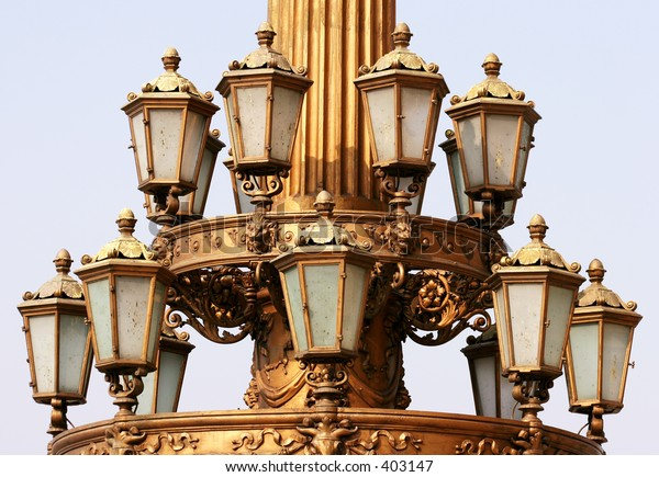 Triumph of street lamps