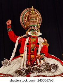 TRIVANDRUM, KERALA, INDIA, JANUARY 19, 2015: Kathakali - the classical Kerala-based dance-drama of Indian mythology, noted for its elaborate costumes and gestures. Ravana challenging Rama.