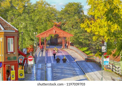 Trondheim / Norway 10/05/2018 : The Old bridge ( Den Gamle Bybro on Norwegian ) located in the Norwegian city Trondheim, during indian summer in October