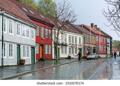 Trondheim /Norway 10/05/2018 : residential district Bakklandet, very popular and attractive area for tourists, in the Norwegian city Trondheim, during indian summer in October