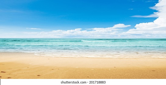 Tropical beach. Panoramic summer shot