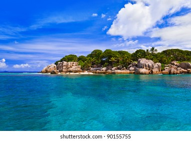 Tropical island - vacation nature background
