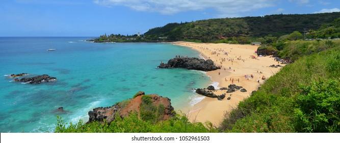 Tropical sandy beach, Oahu, Hawaii, Waimea Bay Beach Park