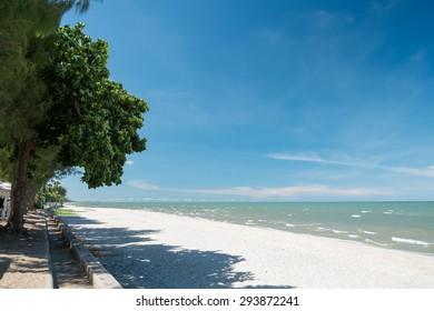 Tropical Sea and Blue Sky at Hua Hin Beach, Petchaburi, Thailand