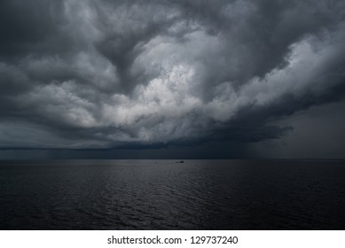 Tropical storm build above lake Victoria