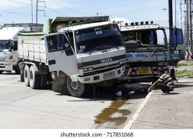 A Truck  accidentally crash in to other  Truck ,314 highway ,Bangpo chachoengsao Thailand ,Sep 18 , 2017