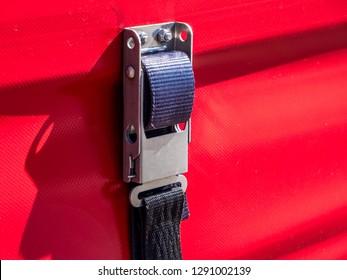 Truck lashing strap