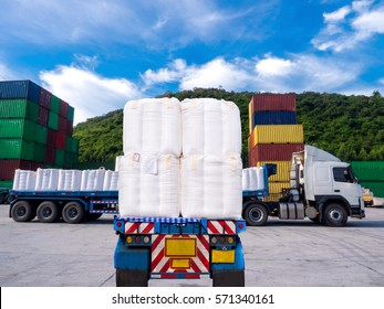 Truck pick up the starch for stuffing in container at container yard