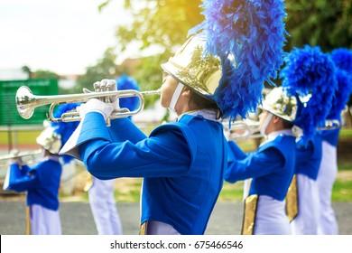 Trompeter Messingband mit gleichmäßiger Leistung