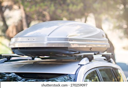 trunk box fixed at roof top of the car