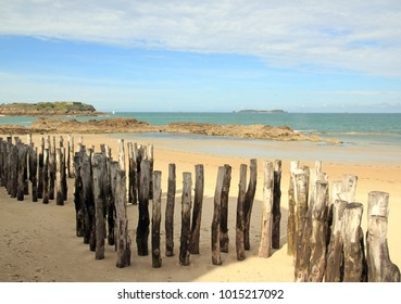 Trunks breakwater to St Malo in low tide (Brittany France)