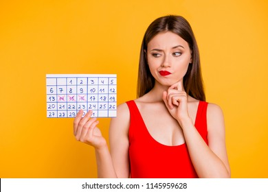 I'll try to remember not to forget! Travel tourism trip journey people business meeting concept. Photo portrait of puzzled pretty scared uncertain person holding calendar isolated on bright background