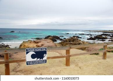 tsunami warning signs along the Pacific coastline in California