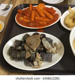 Tteokbokki, sundae, cheap and favorite food of Koreans