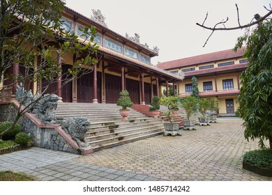 Tu Dam Pagoda is one of the more centrally-located pagodas in Hue. It features a tall tiered pagoda tower, intricately carved dragons and various Buddha statues.