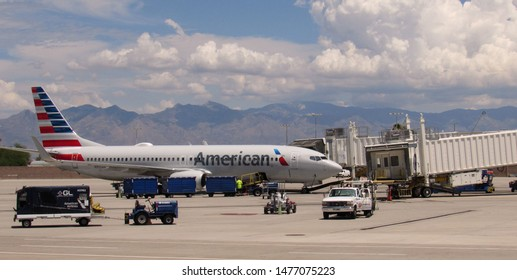 Tucson, Ariz./USA-8/7/19: An American Airlines Boeing 737 prepares to depart from Tucson International Airport.