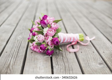 Tulips bridal bouquet for wedding