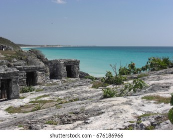 Tulum ruins and blue sea in Mexico