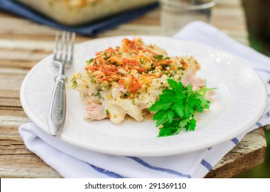 Tuna, Leek, Mornay and Orange Pasta Bake with Bread Crumb and Cheese Topping (Macaroni and Cheese)