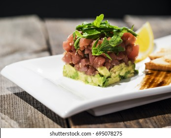 tuna tartare with avocado