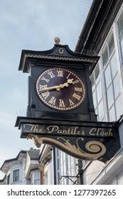 TUNBRIDGE WELLS, KENT/UK - JANUARY 4 : View of the Famous Pantiles Clock in Royal Tunbridge Wells on January 4, 2019