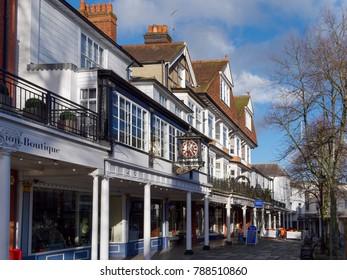 TUNBRIDGE WELLS, KENT/UK - JANUARY 5 : View of the Pantiles in Royal Tunbridge Wells on January 5, 2018