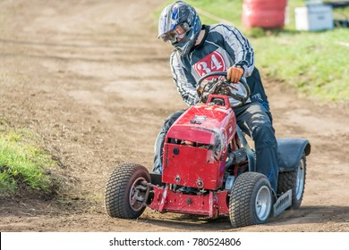 Tuned lawnmower brakes into a tight corner at a race