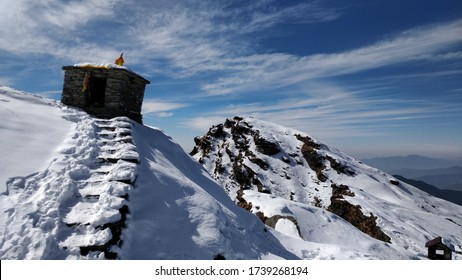 Tungnath trek view winter time clear mountain cover with snow.