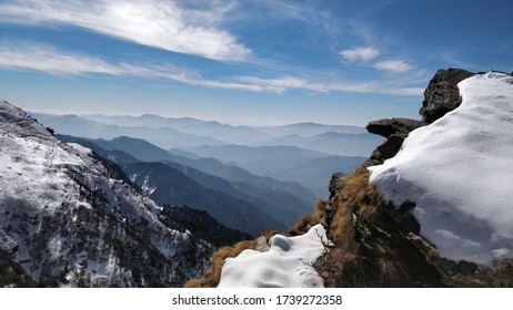 Tungnath trek winter time view clear sky snow all around.