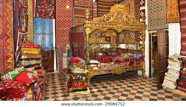 Znalezione obrazy dla zapytania: tunisia carpets