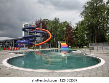 TURCIANSKE TEPLICE. ZILINA REGION. SLOVAKIA. 19 MAY 2008 : Swimming pool and slides in aquapark at Turcianske Teplice. Zilina Region. Slovakia