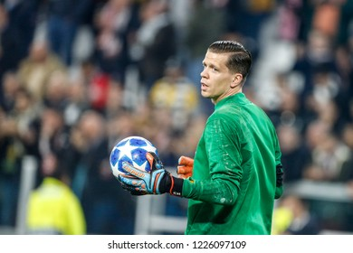 Turin, Italy. 07 November 2018. UEFA Champions League, Juventus vs Manchester United 1-2. Wojciech Szczesny, goalkeeper Juventus, during warm up.