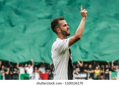 Turin, Italy. May 19, 2018. Allianz Juventus Stadium. Campionato Italiano di SerieA, Juventus-Hellas Verona 2-1. Juventus awarded for the victory of the championship. Miralem Pjanic celebrating goal.
