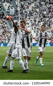 Turin, Italy. May 19, 2018. Allianz Juventus Stadium. Campionato Italiano di SerieA, Juventus-Hellas Verona 2-1. Juventus players celebrating the goal.