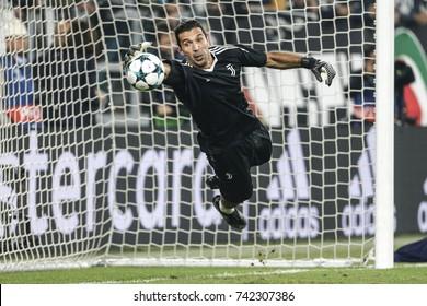Turin, Italy. October 18, 2017. UEFA Champions League, Juventus - Sporting Lisbona 2-1. Gianluigi Buffon, goalkeeper Juventus, during warm-up.