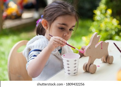 Turkey / Istanbul - 08/17/2015: children paint and participate in the activity