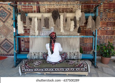 Turkey rug weave loom by woman
