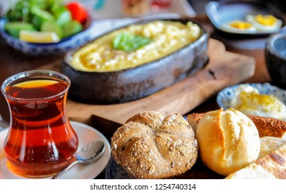 "Turkish breakfast with ""Mihlama"""