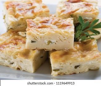 Turkish cheese pie (borek) su böreği