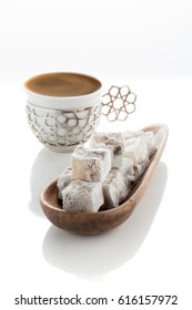 Turkish coffee & turkish delight (lokum ve turk kahvesi)