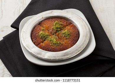 Turkish dessert kunefe with pistachio Künefe