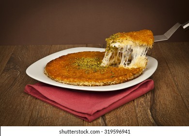 Turkish dessert kunefe with pistachio powder