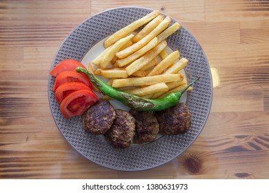 Turkish Grilled Meatball Service Plate, tomato and Salad
