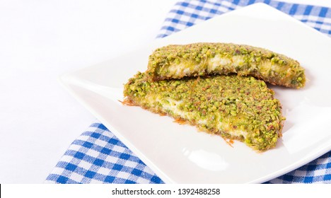 turkish kunefeh portion with pistachio