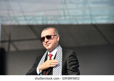 Turkish President Recep Tayyip Erdogan speaks during a rally in support of Palestinian people in Istanbul, Turkey, 18 May 2018.